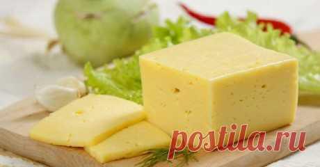 """Как безошибочно определить, что ты покупаешь сыр, а не подделку из сухого молока! - Женскии """"штучки"""" Качественный твердый сыр не может быть дешевым. Всё, что имеет небольшую стоимость, напичкано пальмовым маслом, сухим молоком, соей, стабилизаторами, ароматизаторами, консервантами. Это не еда, это наказание для любого живого организма! У меня есть огромная просьба к тебе, уважаемый читатель. Никогда не ешь твердый сыр, полностью откажись от его употребления, если ты покупа..."""