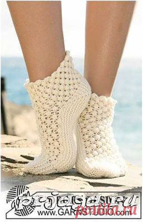 Дамские ажурные носки спицами схема и описание от Drops
