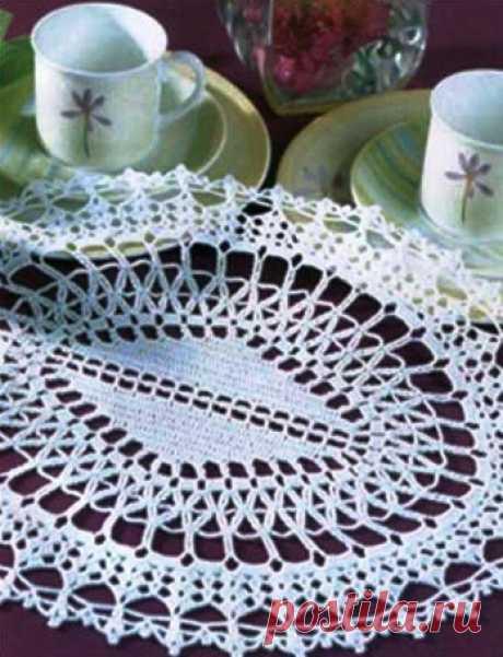 Овальная салфетка крючком. Схема. / knittingideas.ru