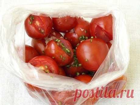 Малосольные помидоры в пакете   Печем и варим