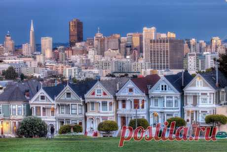 Steiner Street in San Francisco with the Victorian houses of Painted Ladies