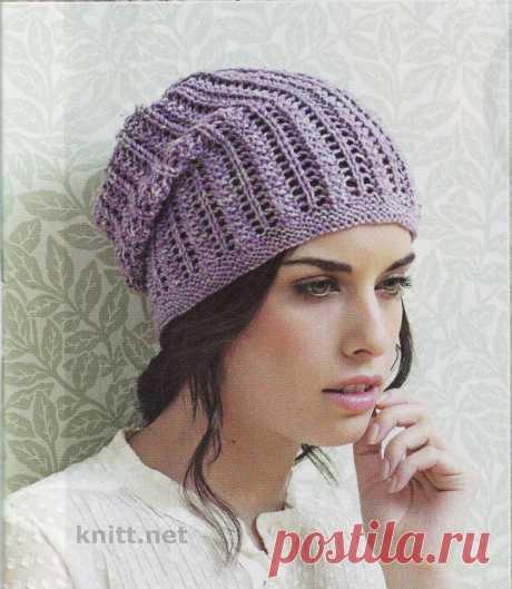 Вязаная на спицах ажурная шапка Вязаная на спицах ажурная шапка - бини дополнит ваш гардероб этой осенью. К ней отлично подойдут митенки и шарфик. Отлично начните осень!