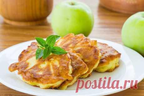 Овсяные оладьи с яблоком   На 100 гр - 84 ккал  белки - 2  жиры - 5  углеводы - 8    Ингредиенты:  Показать полностью…