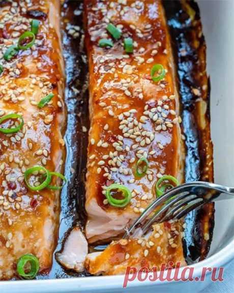 Сытный ужин: запеченный лосось под соусом терияки - HELLO! - медиаплатформа МирТесен