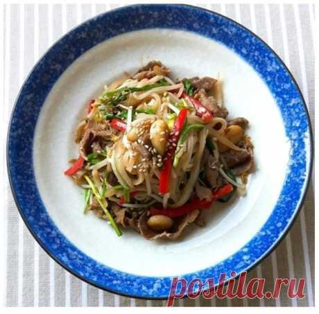 소고기 쌀국수 볶음 (Сокоги Ссалькуксу Богым) - Жаренная рисовая лапша с говядиной