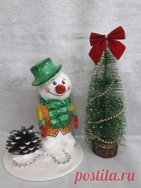 Снеговик из папье - маше....