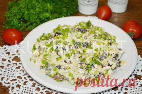 Салат с курицей, черносливом и грибами. Пошаговый рецепт с фото • Кушать нет