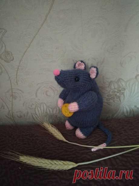 Мышка-пухлик. Вязаные игрушки - подарок любимым.
