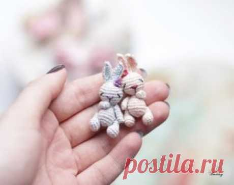 Tiny Zaya-splyushka of an amiguruma. Schemes and descriptions for knitting of toys a hook! A free master class in knitting of tiny hare of a splyushka from Anastasia Kirsanova. Height knitted a hook of the hare of only 5 cm together with ears! Hare …