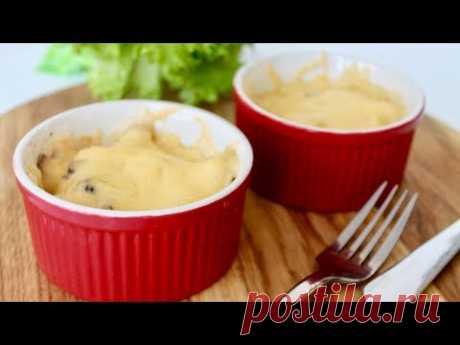 ЖУЛЬЕН Ингредиенты: куриное филе 600 г грибы шампиньоны 600 г лук 2 шт. твердый сыр 150 г Соус: сливки 15 % 400 мл (или молоко) мука 1 ст. л. сливочное масло 50 г мускатный орех 1 ч. л. соль и перец по вкусу