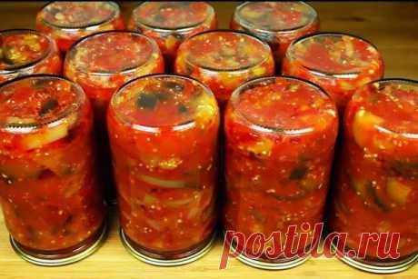 Лечо из перца и помидоров на зиму рецепт с баклажанами по-татарски Заготавливаем лечо из перца и помидоров на зиму – рецепт с баклажанами по-татарски. Как вы уже догадались, в каждом народе, как и в каждой семье хранится свой, особенный рецепт овощной заготовки на зиму. В данном рецепте лечо используются не только болгарский сладкий перец с помидорами, но также и баклажаны. А изюминку добавляет острый перец с чесноком. Уверяю вас, вкуснее закуски не придумать! Что же, расс...