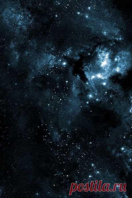 В полночь вселенная пахнет звездами.  #сны_и_явь@intensive_taropy