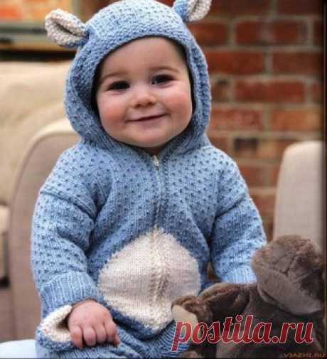 Вязание спицами — комбинезон для новорожденных и малышей до 9 месяцев