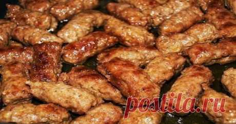 5 очень вкусных блюд, приготовленных из фарша. Отличная подборка КОТЛЕТЫ «ПЫШНЫЕ» Вкусные, сочные, ароматные котлеты. Очень нежные и простые в исполнении. По вкусу даже напоминают люля, но только сочнее и нежнее. Угощайтесь! Продукты: 1.Фарш мясной любой (можно...