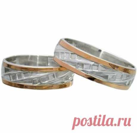 """Обручальные кольца пара. Интернет магазин ювелирных изделий Srebro-Bro предлагает купить по низкой цене серебряные обручальные кольца с золотыми вставками """"Небеса"""" пара. Будущие молодожены, ориентируясь на все критерии, смогут подобрать  кольца по своему бюджету Проба: 925° Металл: серебро 925° с золотыми накладками 375° Приблизительный вес: 5,8 г. Можно выбрать любой размер колец."""