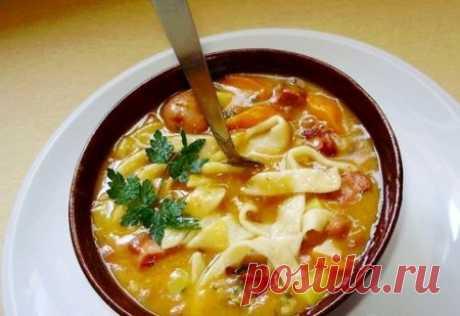 Фасолевый суп с домашней лапшой / Только машины