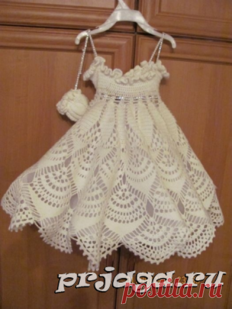 Dress and sundress for girls spokes or a hook