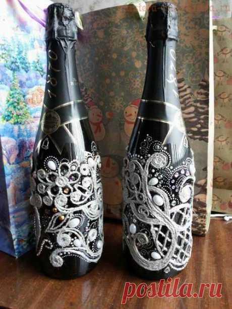 La Clase maestra por la filigrana del yute: el champán De Año Nuevo