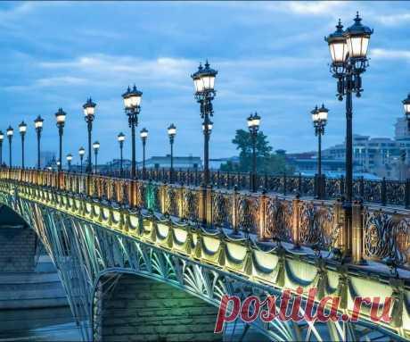 «Москва, Россия, Патриарший мост» — карточка пользователя i.gorbachyowa в Яндекс.Коллекциях