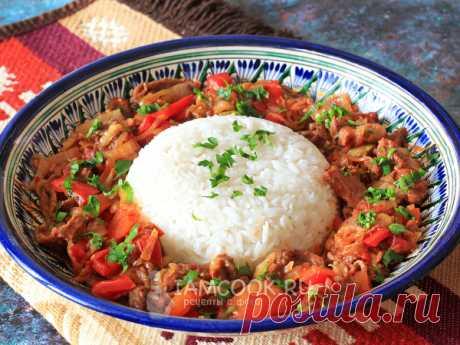 Ганфан — рецепт с фото Маринованное по-уйгурски и тонко-нарезанное мясо обжаривается с разнообразными овощами и соевым соусом в казане или воке, подается с рисом.