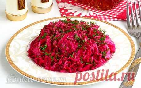 Салат из свёклы и квашеной капусты по-белорусски, рецепт с фото  Капуста квашеная - 300 г Лук репчатый - 0,5 шт. Свёкла - 1 шт. Зелень укропа - 0,5 пучков Сметана - 3 ст. л.