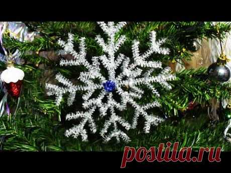 Snowflakes from tinsel