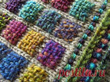 25.08.2015 Сьюзи из штата Мэн многие годы была дизайнером для журналов по вязанию. Ее основная страсть - пряжа. Ill always be a knitter BUT my heart-and-soul for the last 14 years has been dyeing/spinning/stashing/dreaming.