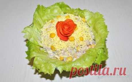 Салат из печени минтая с рисом А также со свежими огурчиками, кукурузой, яйцами и майонезом – и все это превращается в нежный, вкусный, питательный салат, который хорош и как топпинг для бутербродов.