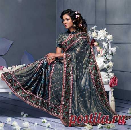 показ мод индийской одежды - сари