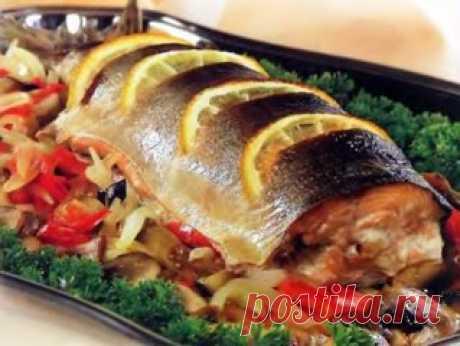Las pequeñas astucias a la preparación del pez\u000d\u000a1. Ante el tratamiento del pez, la coloquen en la vajilla con el agua, si el pez se ahoga ella fresco, si no existe, se nieguen a la preparación del producto dado.\u000d\u000a2. Para la eliminación del fuerte olor a zharenii los peces en el aceite vegetal pongan una patata limpiada y cortada por las rodajas.\u000d\u000a3. Al caldo de pez echan sal al mismo principio de la cocción.\u000d\u000a4. El pescado salado, antes de aderezar, inundan con el agua fría que se haya hinchado ligeramente – entonces será más fácil limpiarla.\u000d\u000a5. Que