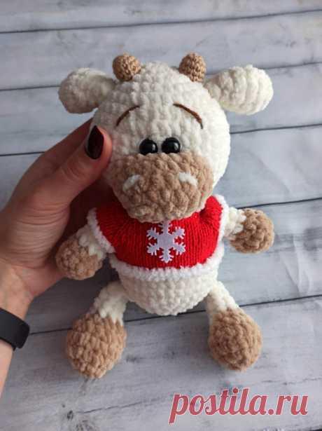 PDF Бычок крючком. FREE crochet pattern; Аmigurumi animal patterns. Амигуруми схемы и описания на русском. Вязаные игрушки и поделки своими руками #amimore - корова, коровка, телёнок, плюшевый бык, бычок из плюшевой пряжи.