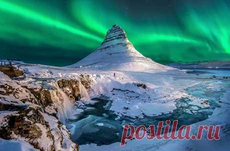 Желающим сначала надо добраться в Исландию
