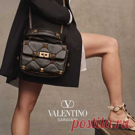 Photo shared by Valentino on April 11, 2021 tagging @pppiccioli. May be an image of purse and text that says 'VV VALENTINO GARAVANI'.