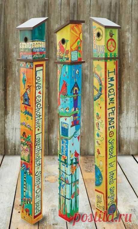 Art Vinyl Birdhouse on Post