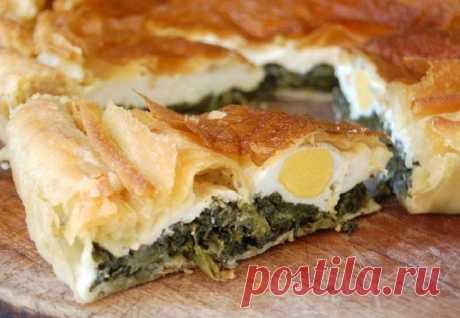 Португальский пасхальный пирог Пирог к Пасхе на тонком тесте с начинкой из шпината и яиц.