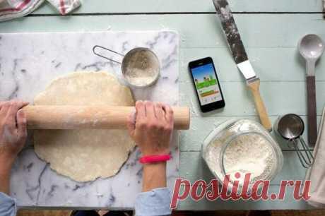 Соус для жаркого и любой соус к мясу приобретет дополнительную пикантность, если добавить в него 2 щепотки растворимого кофе. Звучит странно, но вкус — бесподобный! Добавьте в емкость с молоком щепотку соли. Это помешает молоку скиснуть и продлит его срок хранения! Рецепт для настоящих гурманов и любителей картофеля! Нарежьте 2 яблока, сбрызните их лимонным соком и тушите в сливочном масле. Затем добавь в готовое картофельное пюре сливочно-яблочную смесь и молоко или сливки. Получается ...
