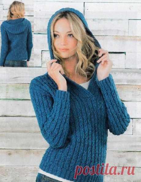 Женский синий джемпер с капюшоном - для прохладных дней