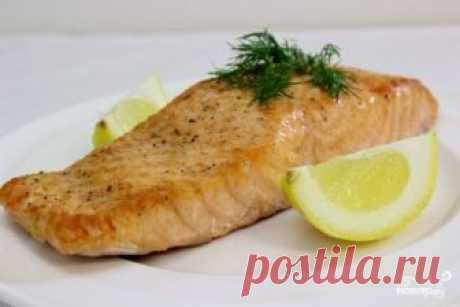 Стейк из лосося в духовке Предлагаю вам сегодня рецепт стейка из лосося в духовке. Эти кусочки рыбы удивительны и источают прекрасный сладковатый аромат. Лосось очень вкусная рыба и со мной согласятся все, кто любит рыбные про…