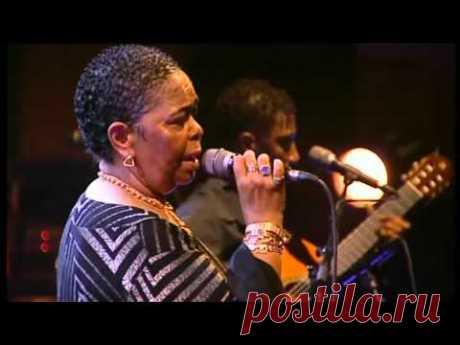 Cesaria Evora Live D'amor 2004 (Complete Concert) - YouTube