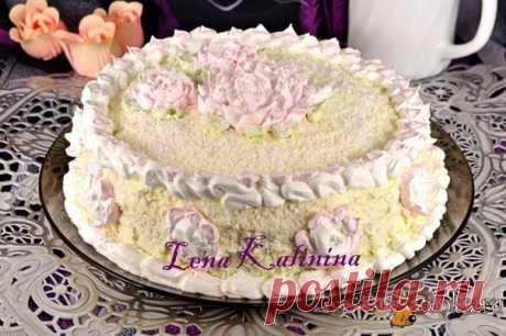 Кокосовый торт В последнее время я увлеклась выпечкой тортов, мое семейство просто в восторге! Предлагаю и вам этот вкуснейший кокосовый торт - невероятно нежный, воздушный, с ярко выраженным кокосовым вкусом. Этот торт украсит любой праздник! Расчет продуктов я даю для торта весом около 1000 г.