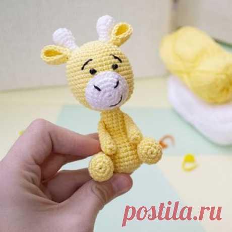 Жираф амигуруми. Схемы и описания для вязания игрушек крючком! Бесплатный мастер-класс от Юлии Дубининой по вязанию маленького жирафа крючком. Для изготовления вязаного жирафика автор использовал пряжу Alpina &quo…