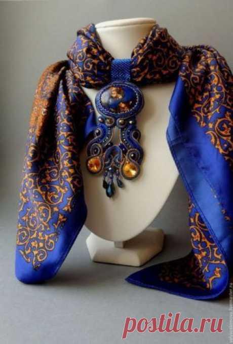 Дополняем свой образ с помощью шарфов и бижутерии — Модный приговор