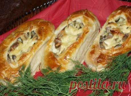 Лодочки из слоеного теста с картофелем, мясом и огурчиками - Простые рецепты Овкусе.ру