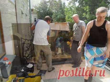 Установка самонесущих перил для улицы