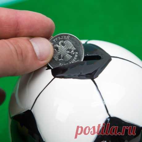 Любителям футбола и всей футбольной тематике придутся по душе копилки в виде футбольных мячей ⚽
