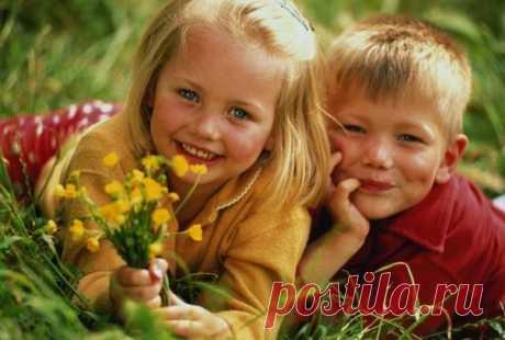 Иметь ребенка-это богатство, быть мамой-это великое счастье! Значит я богатая и счастливая