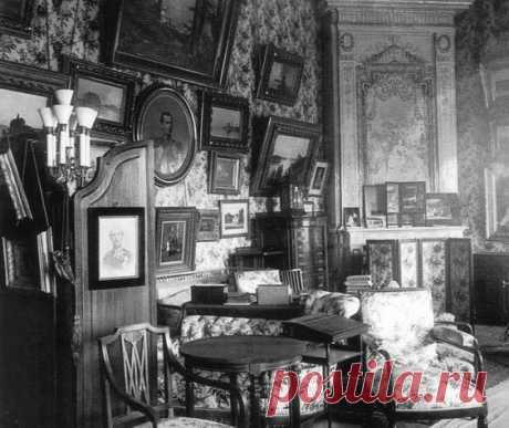 Boudoir of Marie Feodorovna in the Anichkov Palace http:\/\/www.pinterest.com\/pin\/494551602802034907\/ | 'personas especiales, lugares, cosas