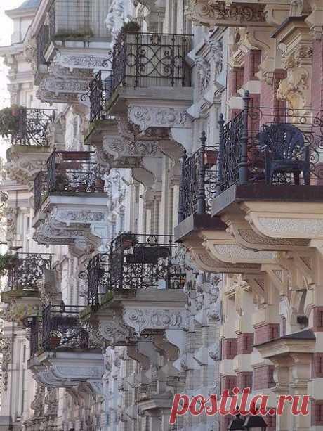 Балконы Парижа, Франция