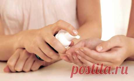 Доступный антисептик для рук без спирта можно сделать в домашних условиях из простых компонентов