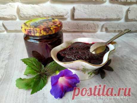 Соус из черноплодной рябины к мясу, птице или рыбе, вкусный и ароматный